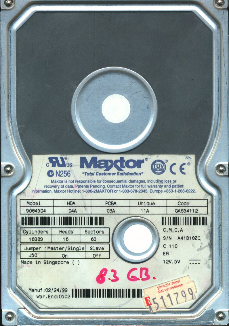 Maxtor_8.3GB_drive_top.jpg